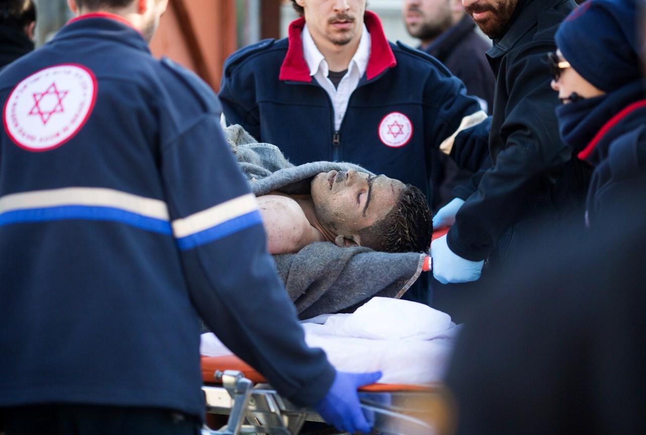 Tel Aviv, palestinese accoltella dodici persone