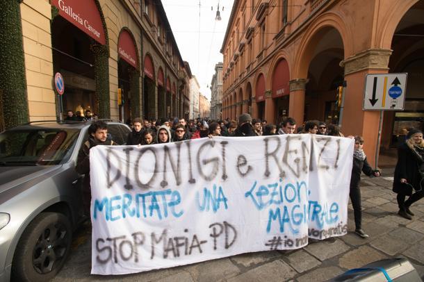 Il tour bolognese di Renzi, tra scioperi e proteste