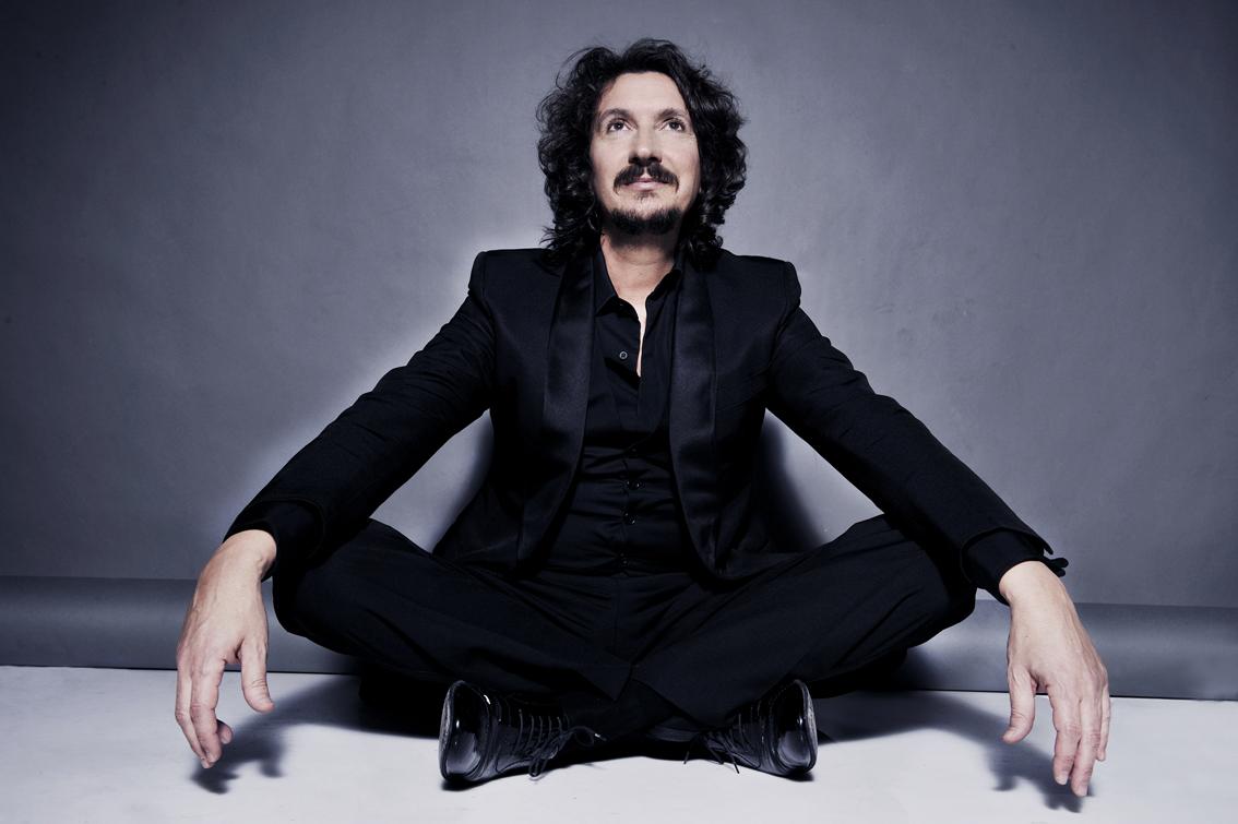 Sergio Cammariere dona al pubblico l'amore per la musica, il Dal Verme di Milano lo accoglie a braccia aperte