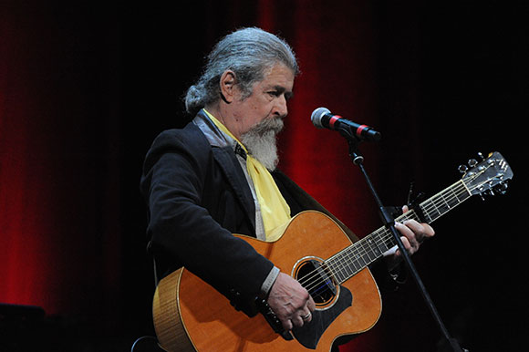 """""""Noi non ci Sanremo"""", lo spettacolo dei """"Giovani del Folkstudio"""" per promuovere e ridefinire la musica folk e d'autore"""