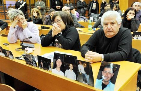 Processo Thyssen: tutto rinviato al 28 maggio, rabbia dei parenti delle vittime