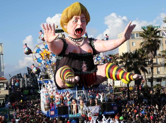 Carnevale, Viareggio verso il secondo corso mascherato