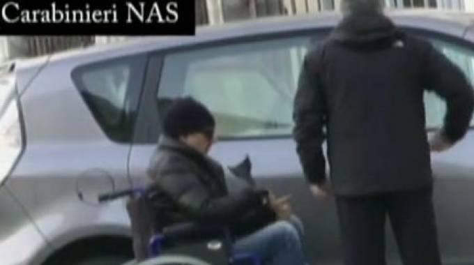 Medico di Torino si finge paraplegico ingannando lo stato: viene arrestato