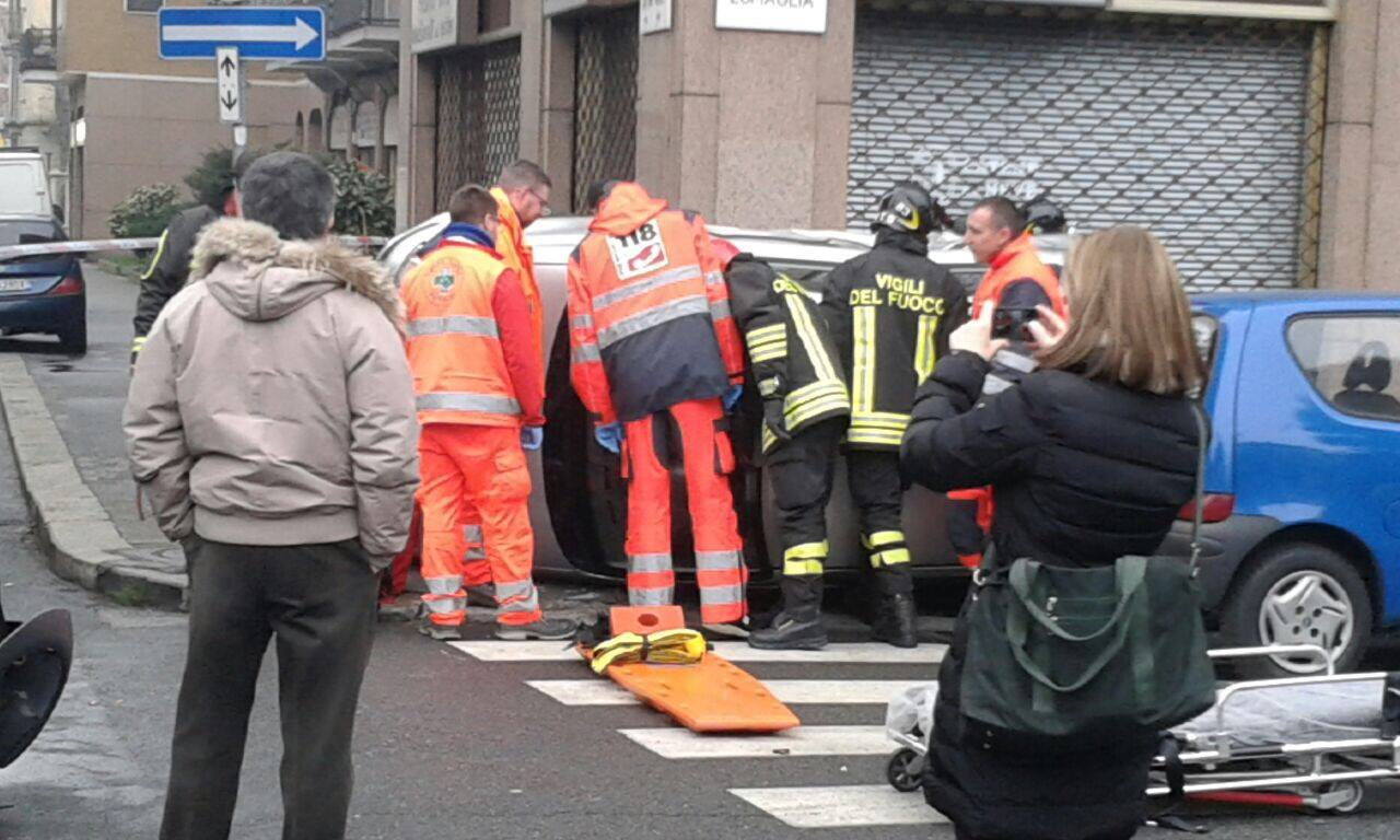 Incidente a un incrocio, un'anziana al Maria Vittoria