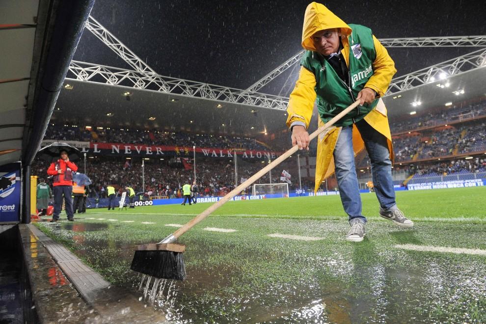 Diluvio sul derby, Samp-Genoa posticipata