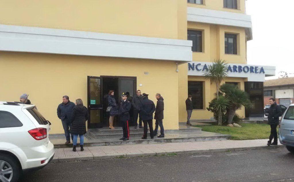 Rapina alla Banca di Arborea: sequestrato un dipendente