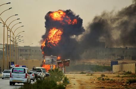 Libia: assaltato un giacimento della Total da parte dell'Isis, rapito un operaio francese