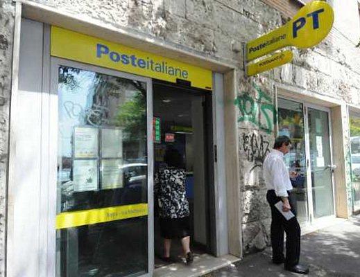 Tagli di Poste Italiane: Nardi e il Pd difendono gli uffici apuani che rischiano la chiusura