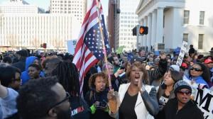 Ferguson - Alcuni manifestanti protestano contro la polizia il 19 gennaio 2015 (MICHAEL B. THOMAS )