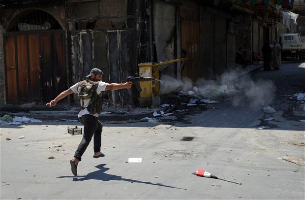 Siria: Aleppo in preda a scontri violenti