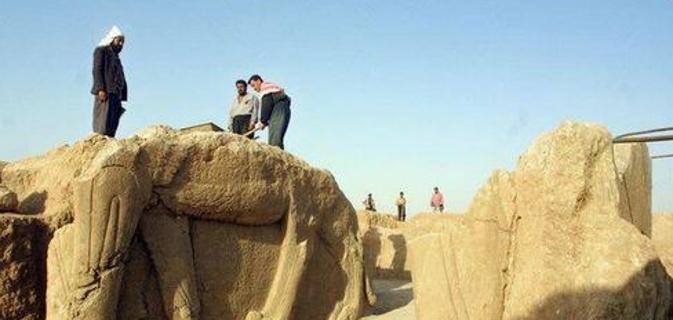 Iraq: le ruspe dell'IS annientano Nimrud, gioiello archeologico assiro
