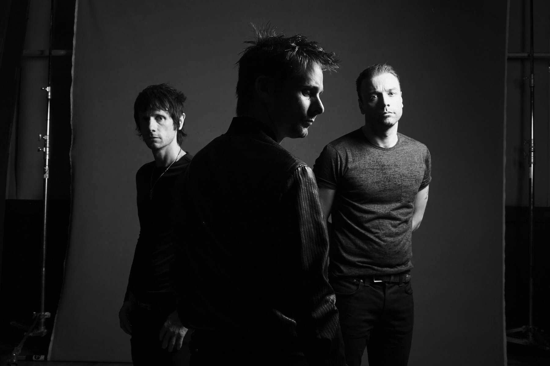 """Muse: in arrivo """"Drones"""", il nuovo attesissimo album"""