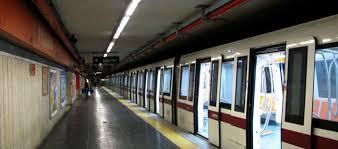 Metro A Flaminio, furto alla macchinetta delle fototessere