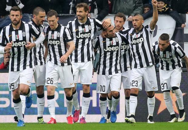 Tevez abbatte il Grifone: la Juventus batte 1-0 il Genoa
