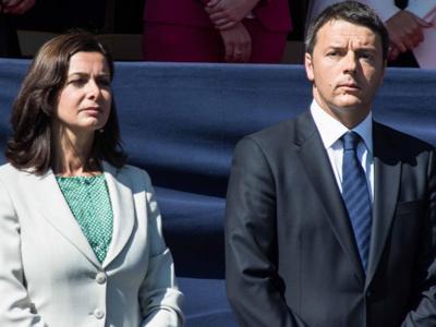 """Continua la polemica Renzi-Boldrini. Il premier: """"Sta uscendo da suo perimetro istituzionale"""""""