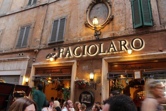 Mafia, la Dia sequestra due ristoranti della capitale, arrestato il proprietario