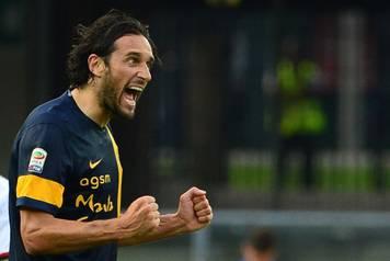 Napoli, che botta: 2-0 da un super Verona