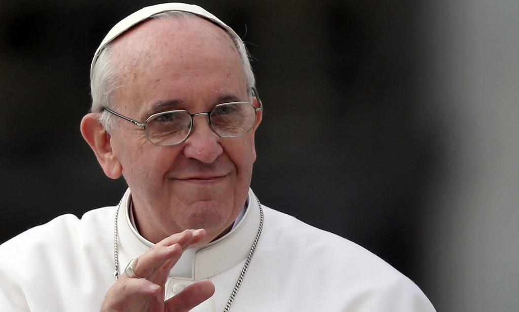 """Papa: """"Nel crocifisso vediamo tutti i perseguitati"""""""
