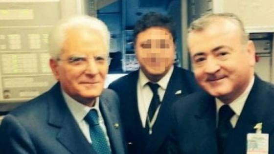 Pilota Alitalia spara in casa, la compagnia lo sospende