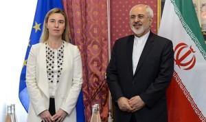 Il capo della diplomazia europea, Federica Mogherini e Javad Zarif, il ministro degli esteri iraniano a Losanna