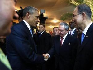 Barack Obama e Raul Castro durante il loro incontro