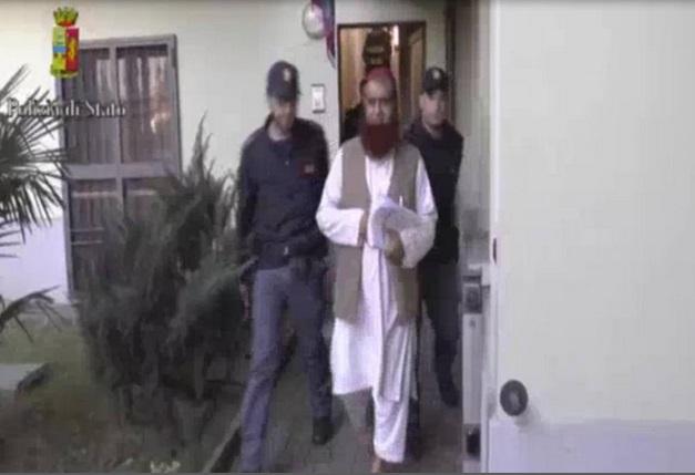 Terrorismo, agenti pakistani corrotti informarono la cellula sarda