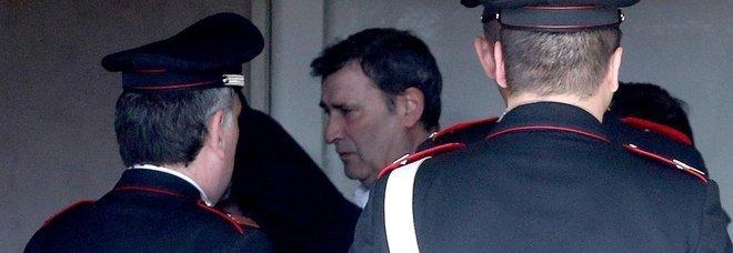 Milano, spari nel Palazzo di Giustizia. Tre vittime, killer arrestato
