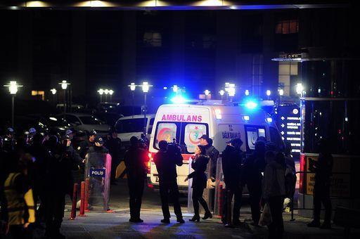 Istanbul: finisce nel sangue il rapimento del magistrato mentre la polizia conduce diversi arresti nel paese
