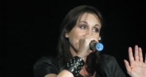 "Emanuela ""Manu"" Cortesi durante uno dei suoi ultimi live."