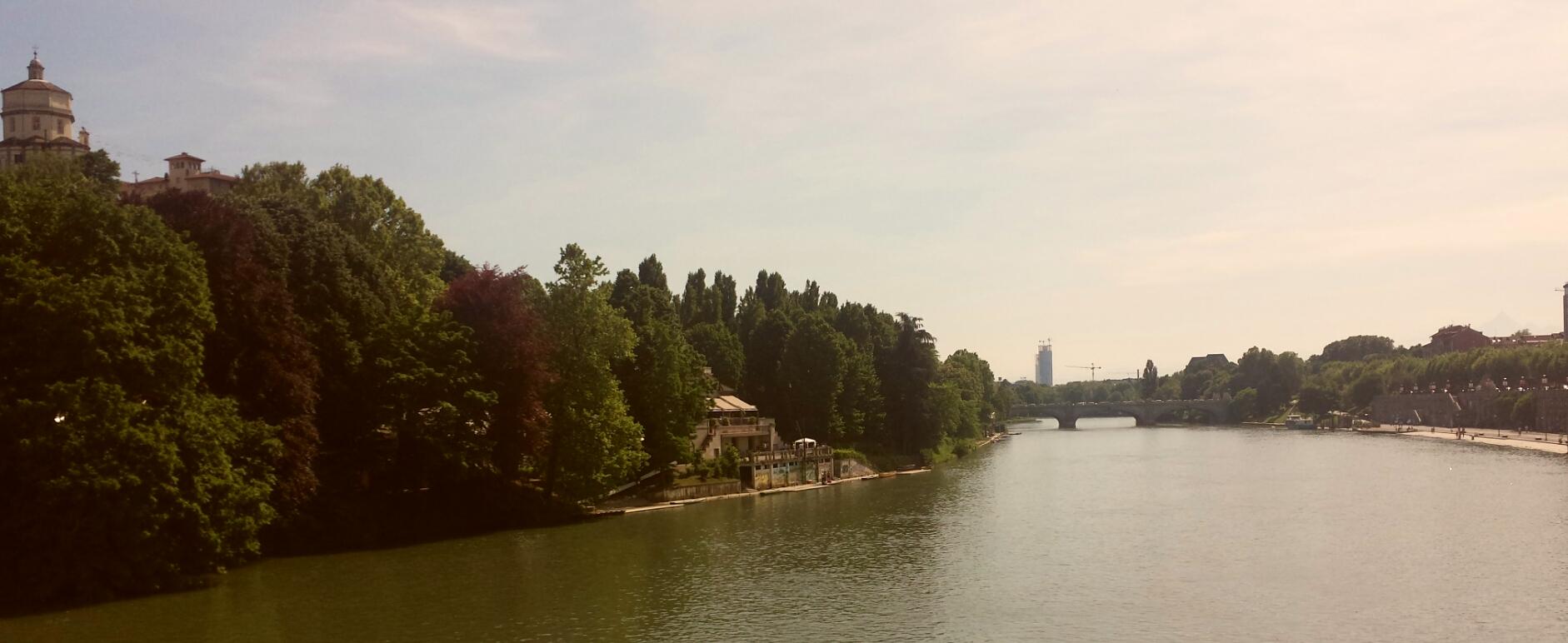 Torino, vista del Po e del ponte Isabella