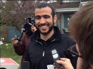"""Omar Khadr raggiante per la riconquista della sua """"libertà parziale"""""""