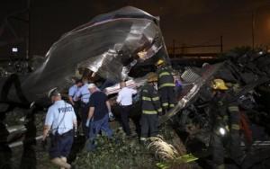 Parte del treno dopo l'incidente Foto: