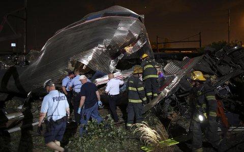 Stati Uniti: deragliamento di un treno a Philadelphia uccide sei persone