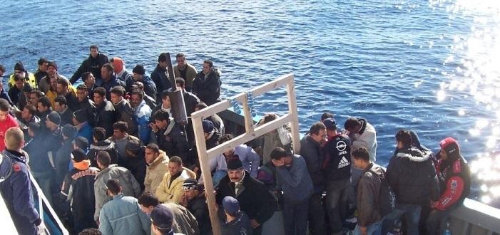 Napoli, finita la paura per 562 emigrati, sbarcati stamane in città