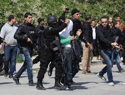 L'uomo arrestato dagli agenti della Digos