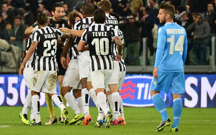 Juve, festa vera: 3-1 sul Napoli e cerimonia tricolore