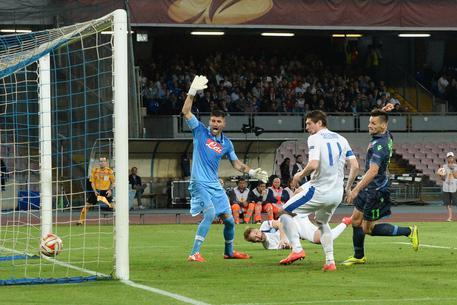 Boyko e l'arbitro fermano il Napoli, al San Paolo è 1-1