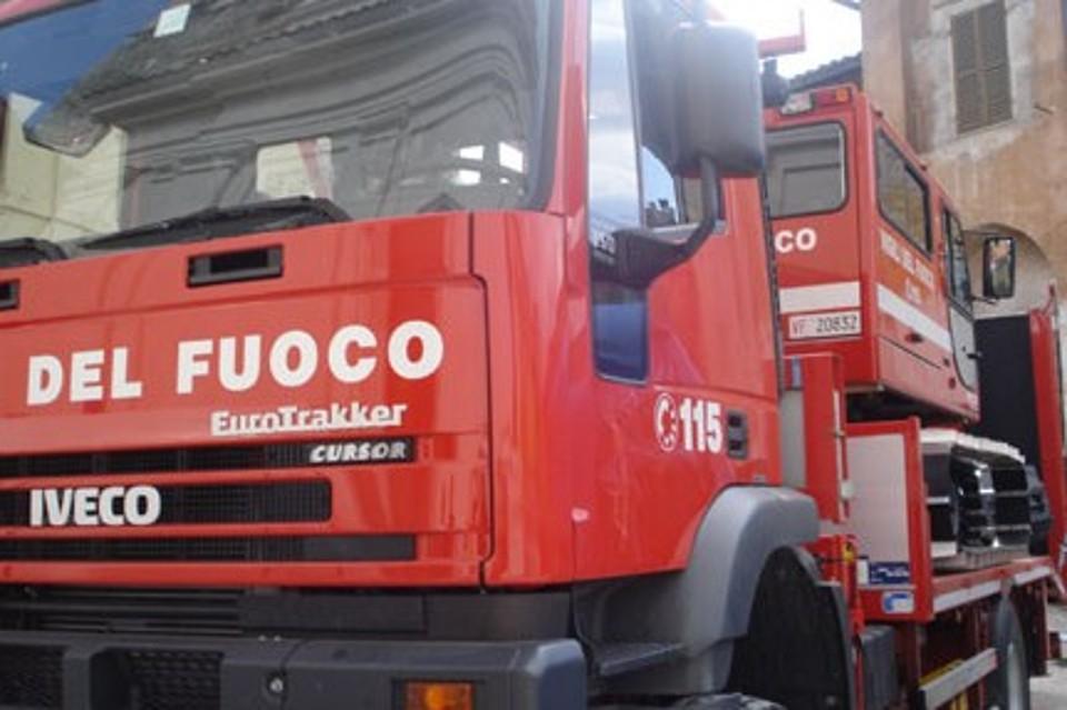 Incendio distrugge fabbrica di fuochi a Giugliano. I morti ora sono quattro