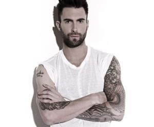 Adam Levine, un nudo integrale nel suo nuovo videclip