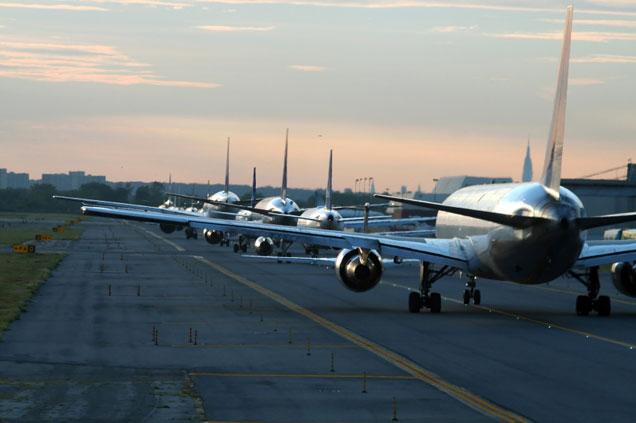 Volo Alitalia circondato da polizia al Jfk di New York. Falso allarme