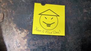 Il biglietto lasciato dai prigionieri in fuga, fotografato e postato sull'account ufficiale di Andrew Cuomo