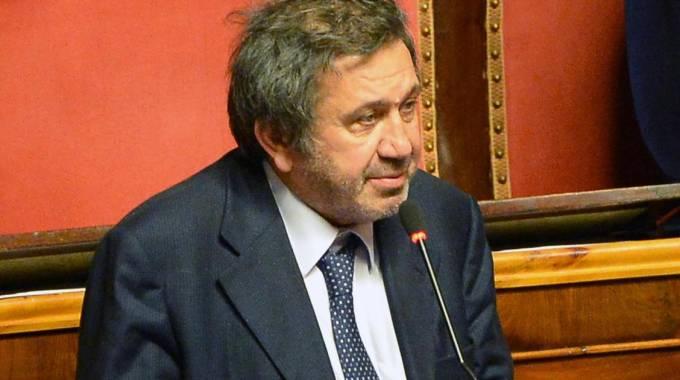 Pd contro Azzollini, sì alla richiesta d'arresto per il senatore Ncd