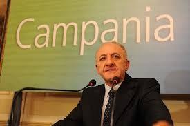 Campania, Renzi firma la sospensione di De Luca