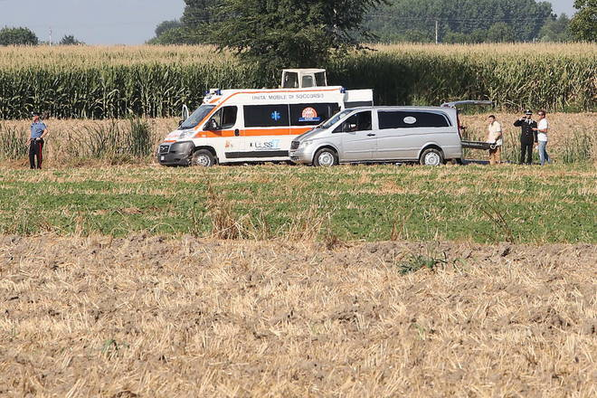 Fugge in mezzo ai campi e aggredisce un carabiniere. Ucciso 33enne