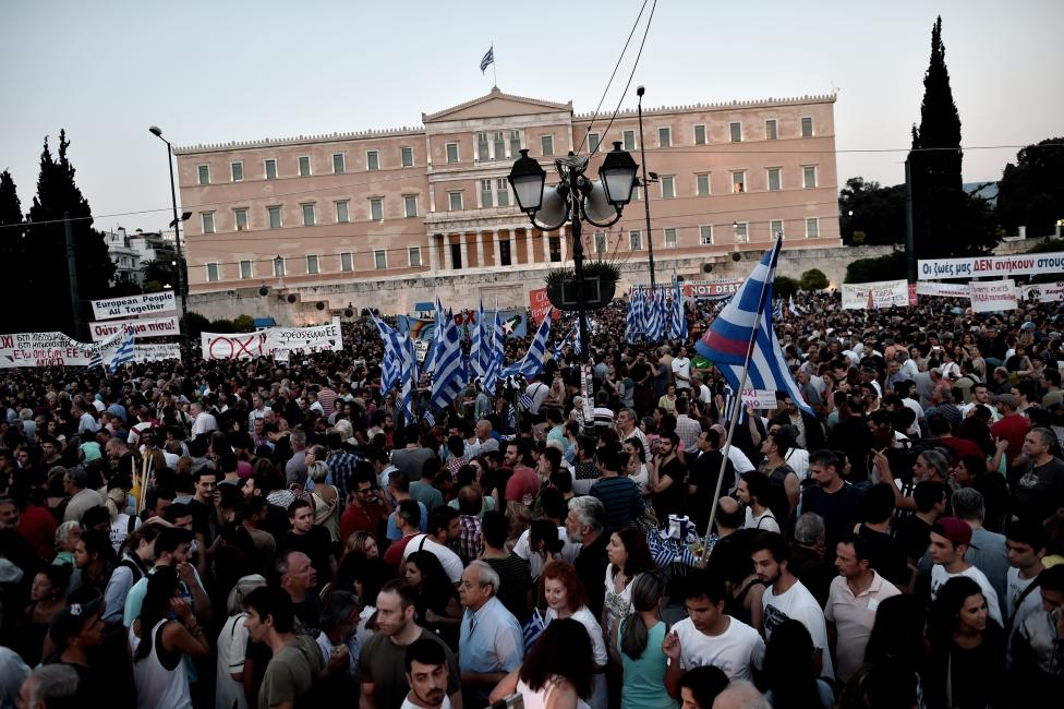 Grecia vicina al referendum. Tsipras: 'accordo subito dopo il voto'