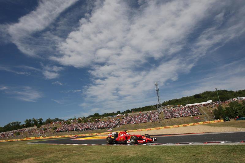 La Ferrari vince in GP di Ungheria, Vettel domina
