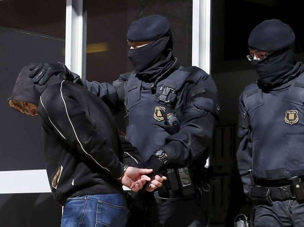 Arrestati dieci jihadisti pronti a partire per la Siria