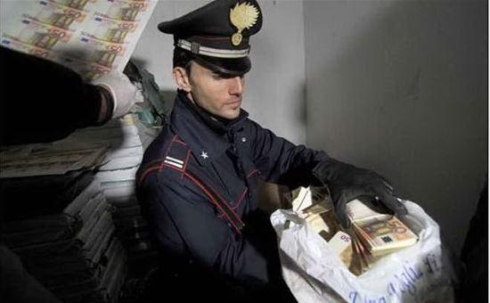 Spaccio di banconote e titoli di stato fasulli, tra i 28 indagati anche un giudice del Tar del Lazio