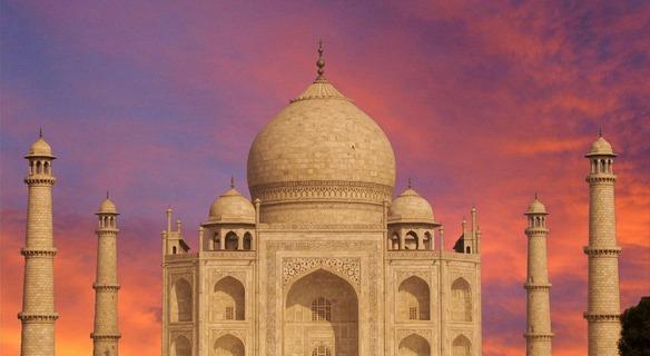 India: tentano il suicidio al Taj Mahal perché non possono sposarsi