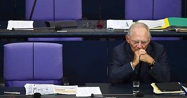 """La Germania approva gli aiuti greci, Schaeuble: """"Si può alleggerire il debito"""""""
